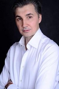 Андрей Артамонов
